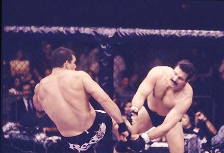 Rizzo batte Severn UFC 27